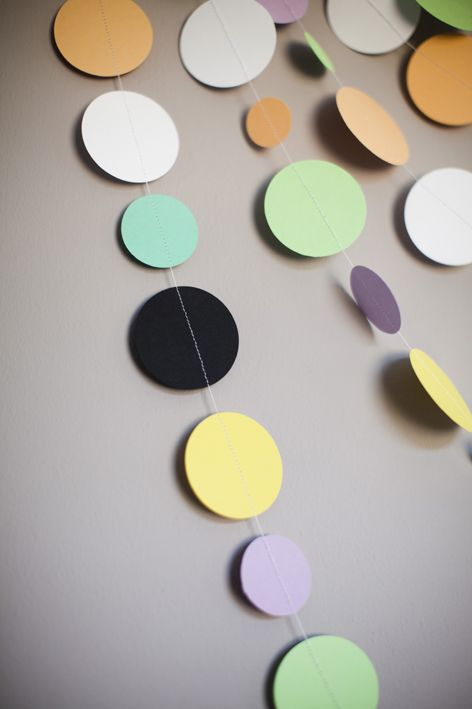 SEW || Girlander | Susanna Vento: Felt Circles, Colour Circles, Colored Circles, Paint Chips, Crafted Color, Easy Crafts, Color Circles, Colorful Decorations