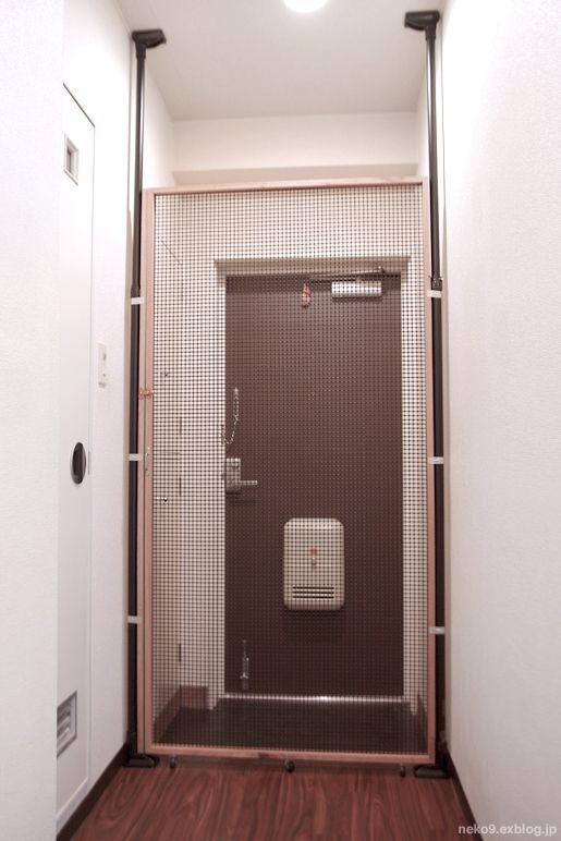 パリのアパルトマン風リノベ エントランス パリ アパルトマン アパルトマン 玄関 デザイン