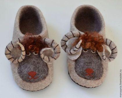 """Обувь ручной работы. Ярмарка Мастеров - ручная работа тапочки для мужчин """"барашек"""". Handmade.:"""