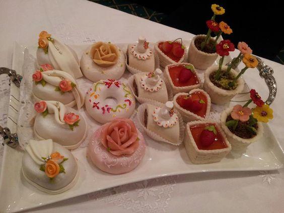Explorez Algerian Cakes, Mariage Algerien et plus encore !