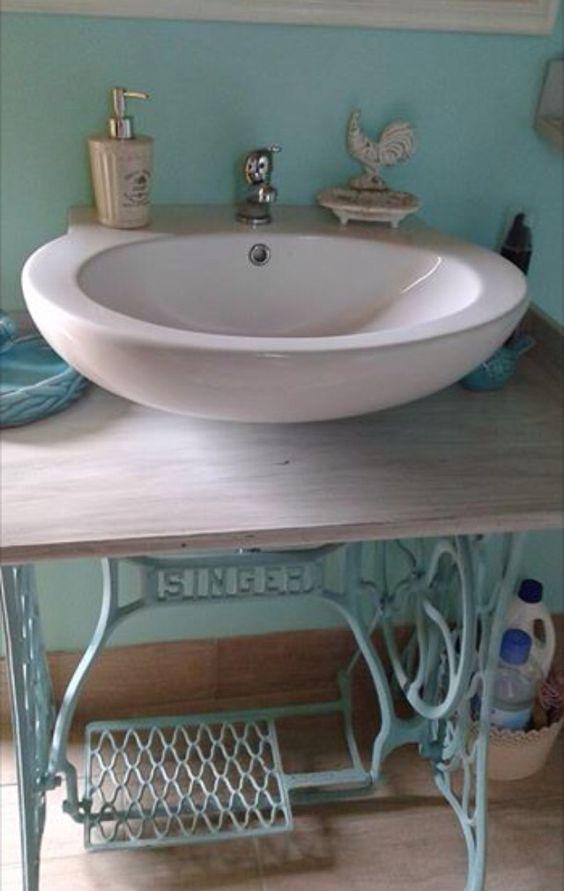 Diy lavabo con base macchina da cucire singer turchese for Base per macchina da cucire