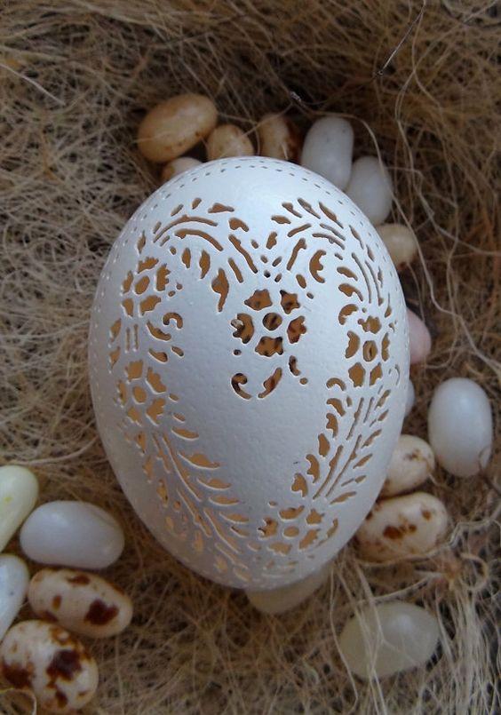 ovos bordados