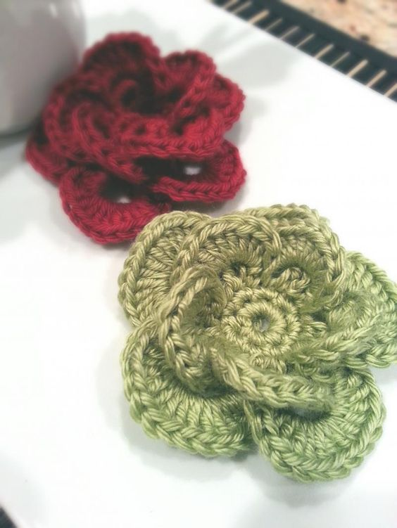 Free Crochet Flower Edging Pattern : Wagon Wheel Crochet Flower The Yarn Box Free Crochet ...
