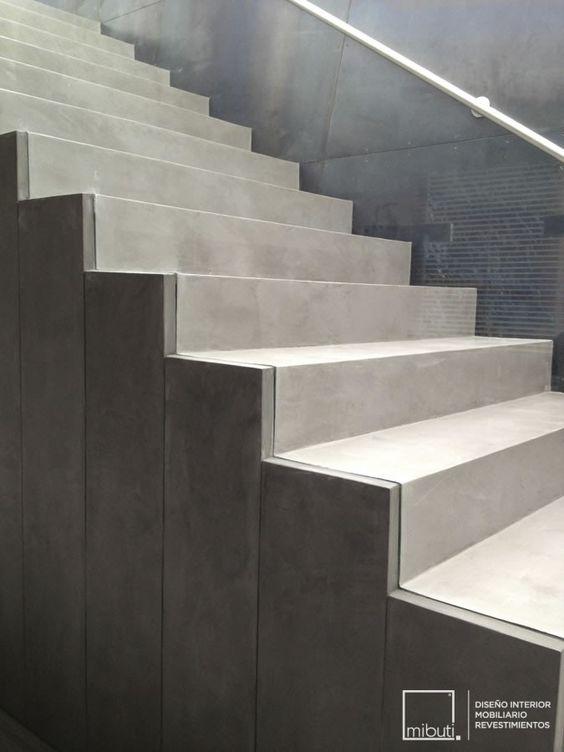 Baños De Microcemento:Escaleras en Microcemento Gris Cemento para Casa Guaymaral