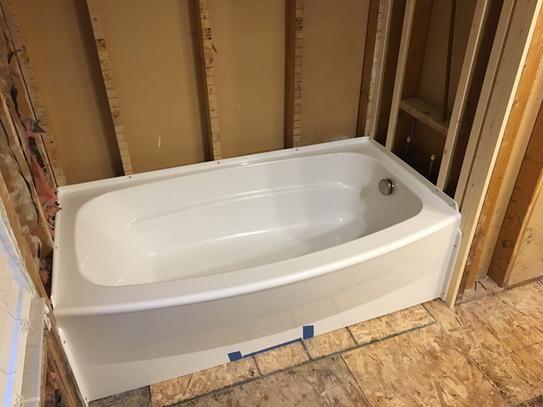 Delta Classic 400 Curve 5 Ft Right Drain Soaking Tub In White