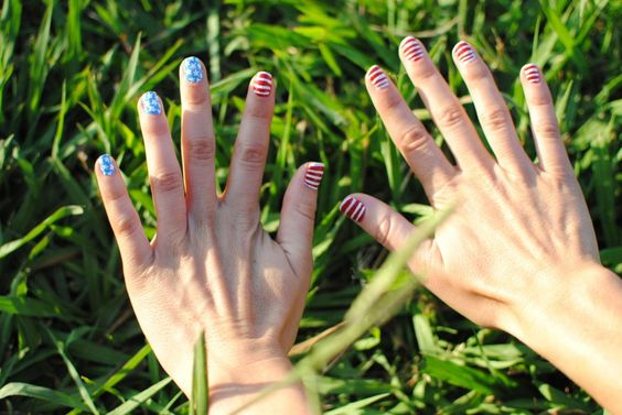 Sydne Style - Happy Fourth of July! Fourth of July nails