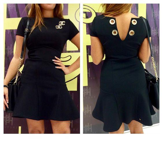 Dress Black Panosundaki Pin