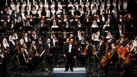Iran - L'orchestre symphonique de Téhéran n'a pas pu jouer comme prévu lors d'une compétition internationale parce qu'il comprenait des femmes.
