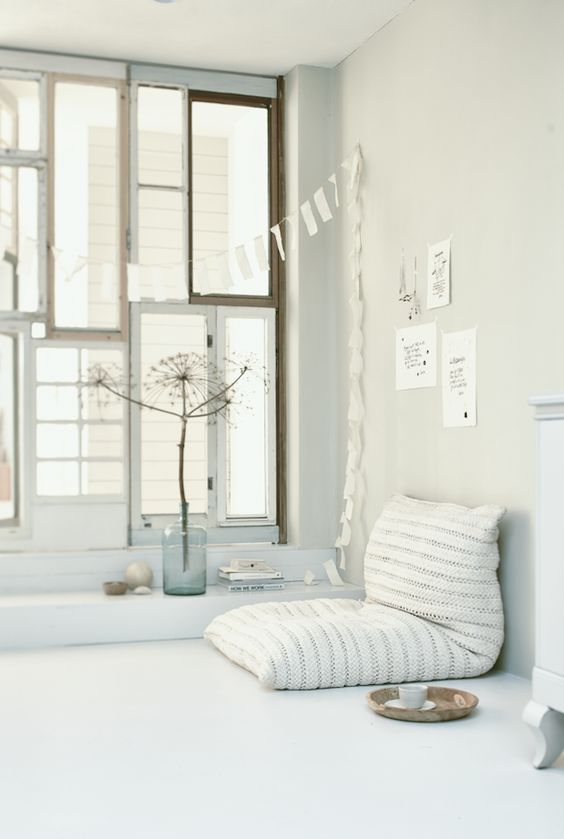 Chulto Cushion | Atelier Sukha https://www.atelier-sukha.nl/product/chulto-cushion-big/