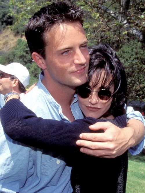 matthew perry & courteney cox. | the one about cinema ...