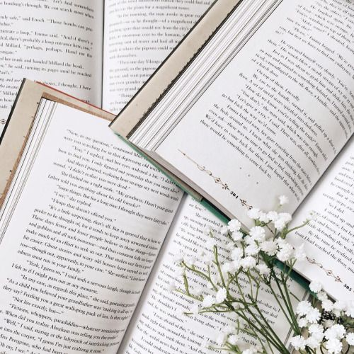 Pictures of books make me happy