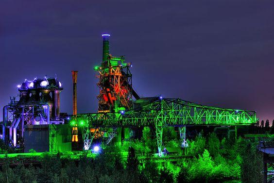 Das Krokodil // Der beleuchtete Industriepark in Duisburg