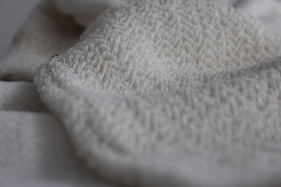 Foto nº 9 - Tela de punto resultado de intersección de hilos para crear una textura visual y física tomada de proceso de investigación - FWong