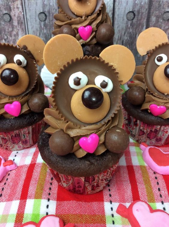 Valentine's Day Bear Cupakes