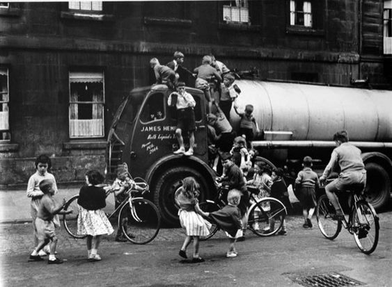 ROGER MAYNE, Boys on a Lorry, Cowcaddens, Glasgow, 1958