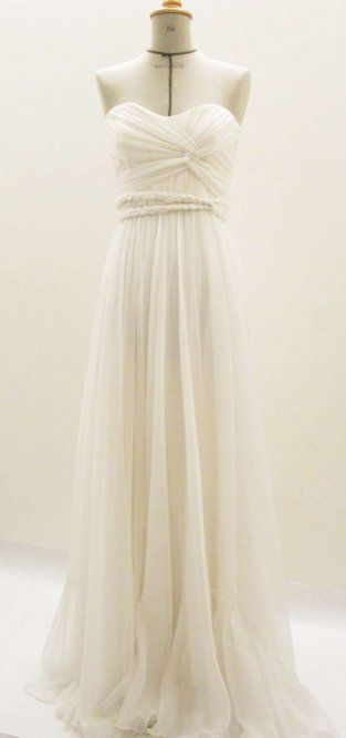 If I was'nt already married, AND a tall, slim gal, this would be a wedding dress candidate.