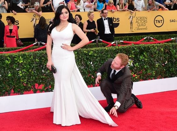 Pin for Later: The Cast of Modern Family Always Has the Most Fun at the SAG Awards Ariel Winter and Jesse Tyler Ferguson