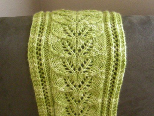 Leaves Scarf #tricot #knit #pattern