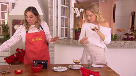 Heloísa Perissé ensina prato fácil para o Ano Novo http://gshow.globo.com/programas/estrelas/videos/t/programas/v/heloisa-perisse-ensina-prato-facil-para-o-ano-novo/4700581/
