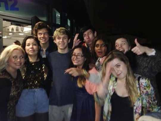 Narry with some fans!