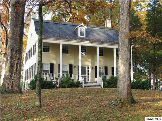 Love this guesthouse at North Wales Farm // Warrenton, VA