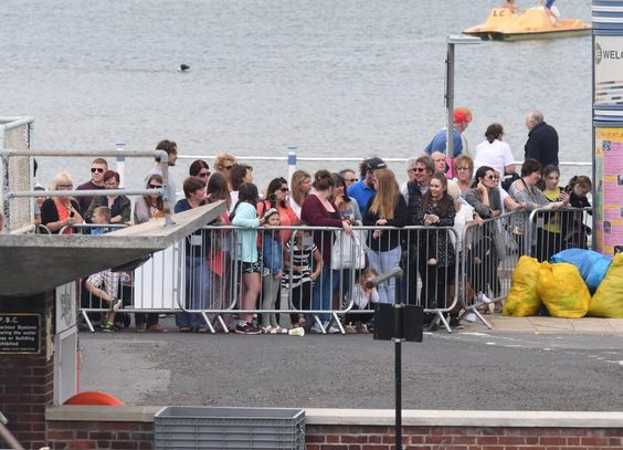 1D fans hoped to catch a glimpse of the star