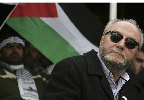 """George Galloway (Crédito: REUTERS) - George Galloway, un político británico vehementemente anti-Israel ha perdido su escaño en el Parlamento tras las elecciones nacionales del Reino Unido el jueves. El polémico Partido Respeto MP para Bradford West ha sido explícito en su aversión por Israel y los """"sionistas"""", aunque ferozmente niega ser antisemita."""