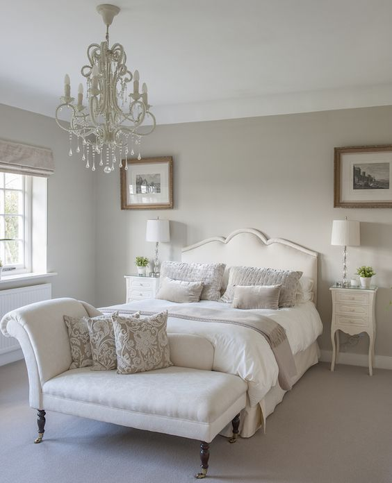 A classic chaise longue in a guest bedroom interiors for Chaise guest house