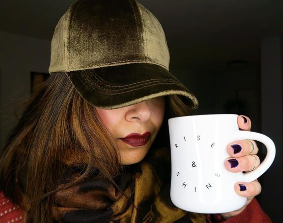 #RiseAndShine    ...but not until tomorrow. One more late night. One more day to sleep in.  Enjoying the fleece sheets Santa  brought me.    #happynye #whatsetwearing #coffeemug #illtellyouasecret #itshotchocolate #popsugarmusthave
