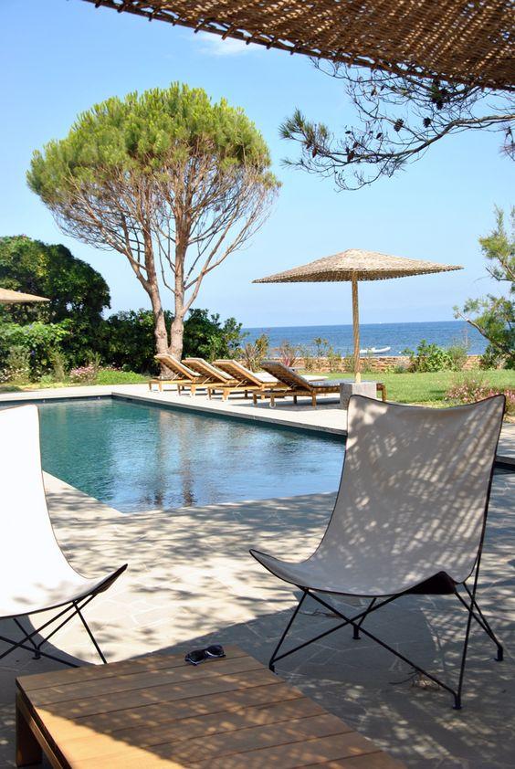 Cette belle maison du sud de la france a t construite for Pool design france