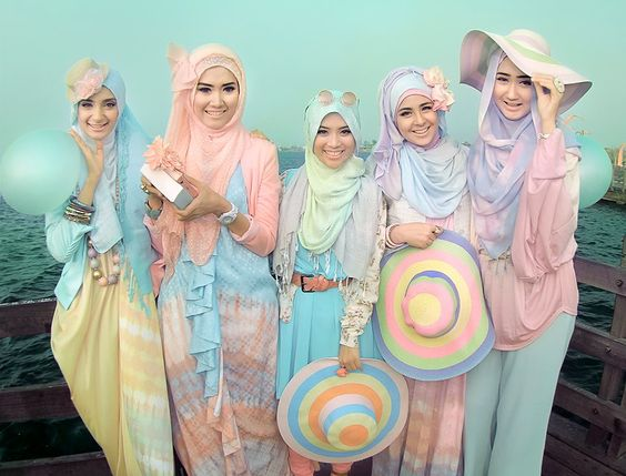 Pastel hijab girls. Dian Pelangi. Originally found here: http://www.facebook.com/photo.php?fbid=468011086572108=a.272612626111956.69049.116263088413578=1_count=1=nf: