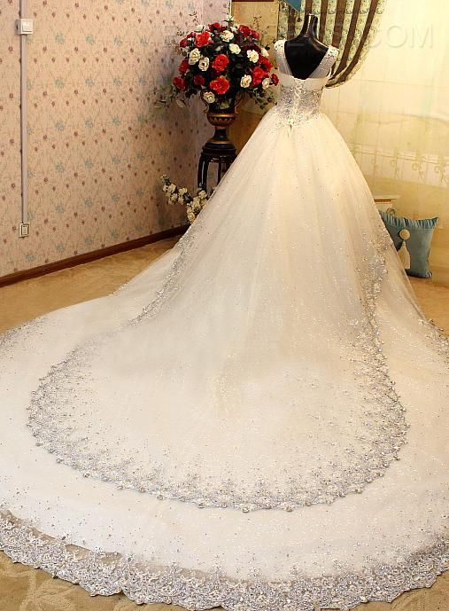ericdress.com offers high quality   Luxurious V-Neck Sleeveless Beads Cathedral Wedding Dress Wedding Dresses 2015 unit price of $ 791.09.
