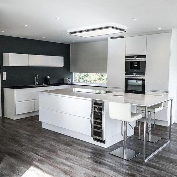 Die Küche wirkt durch ihr schlichtes Design sehr modern Ideen