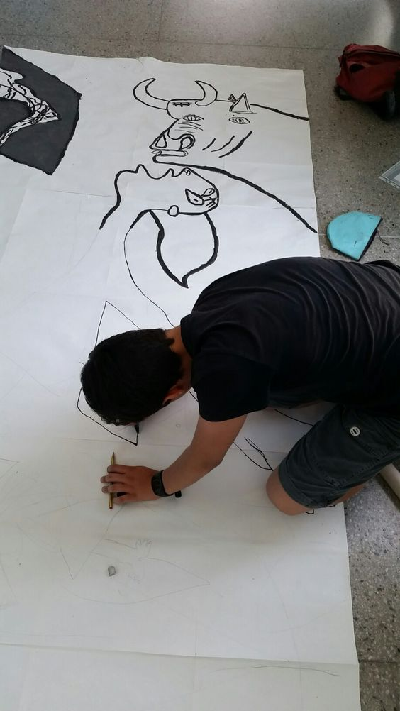 Studio di un particolare di Guernica 1:1, lavoro in preparazione agli esami di licenza media...