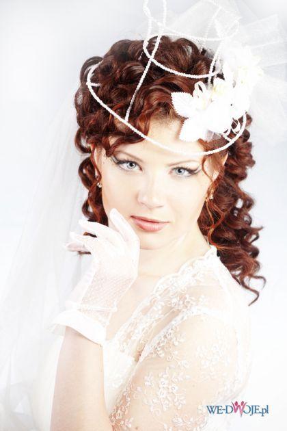 Długie, kręcone włosy ze stroikiem ślubnym #wesele #slub #wedding #hair #hairstyle #bride #polkipl
