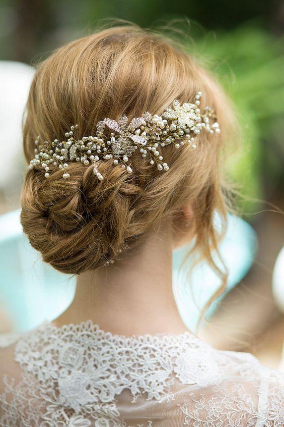 Bridal headpiece, pearls hair piece, beaded wedding hairpiece, pearl hair jewelry.The Fuchsia headpiece.