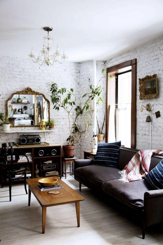 Thay đổi cách đặt sofa da tphcm cho phòng khách thêm lạ mắt