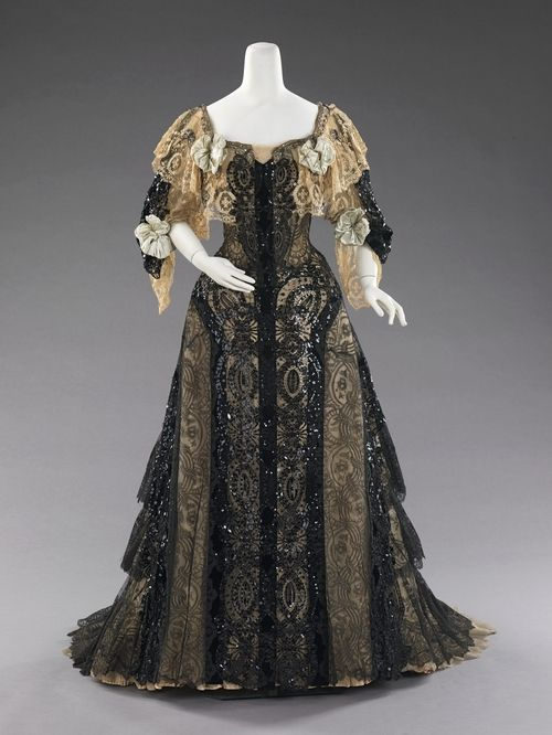 Evening dress ca. 1890-1895