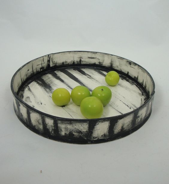 Olia Lamar: Large Handbuilt Black and White Earthenware Platter with Underglaze Decoration: