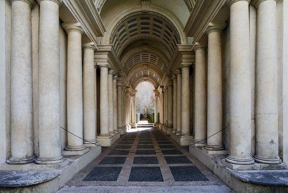Forced perspective gallery by Francesco Borromini - Palazzo Spada