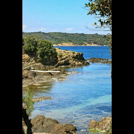 Petite crique déserte à Port Cros