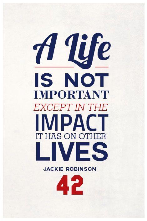 A Jackie Robinson le gusta practicar de portes en la primavera y el verano y el otoño.