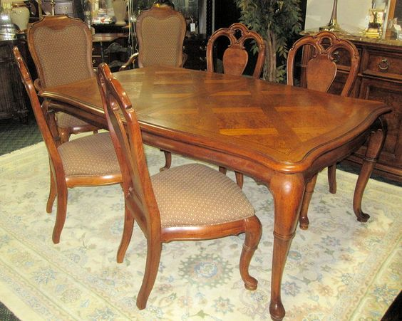 Thomasville British Gentry Parquet Top Dining Table Plus 6 Chairs