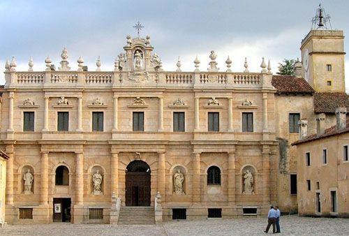Certosa di San Lorenzo, a Padula (SA)