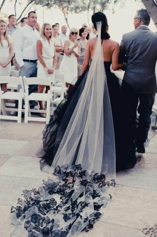 Schwarzes Brautkleid Fur Die Moderne Braut Schwarzes Brautkleid Brautkleid Hochzeit