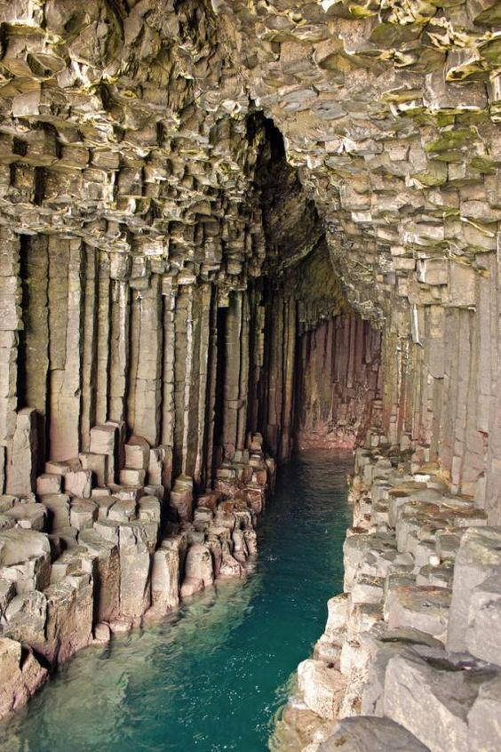 Uamh-Binn (The Cave of Melody) (Fingal's Cave) on the Island of Staffa, in the Inner Hebrides of Scotland