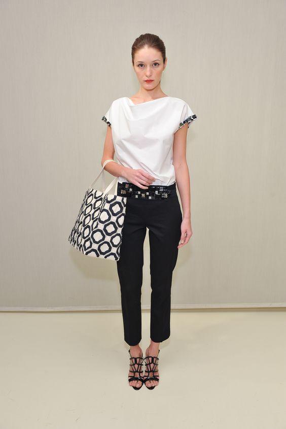 Josie Natori - Resort 2014 - Look 19 of 20?url=http://www.style.com/slideshows/fashion-shows/resort-2014/josie-natori/collection/19