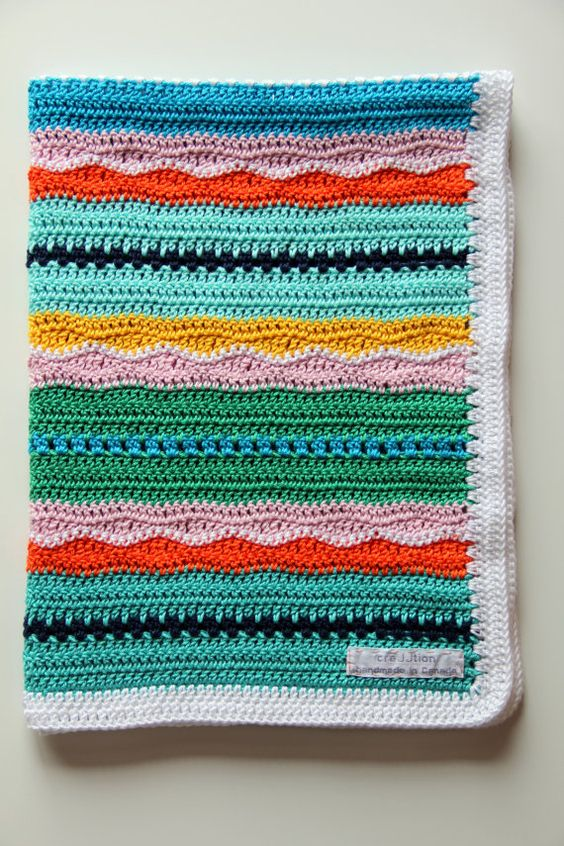 'Miami Beach Baby Blanket' | Crochet Baby Blanket Pattern by creJJtion | Source: Etsy | #crochet #patterns: