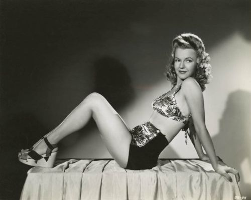 Dale Evans 1940's - photo by Ray Jones