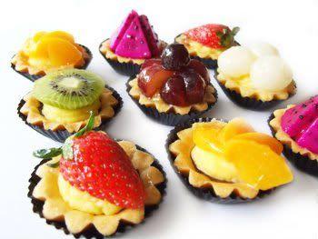 Tortinha de frutas. Você vai adorar esta receita de tortinha de frutas!! Saborosa e simples de fazer.    Mais receitas em: http://www.receitasdemae.com.br/receitas/tortinha-de-frutas/
